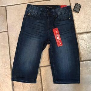 NWT celebrity pink Bermuda Shorts. Size 8